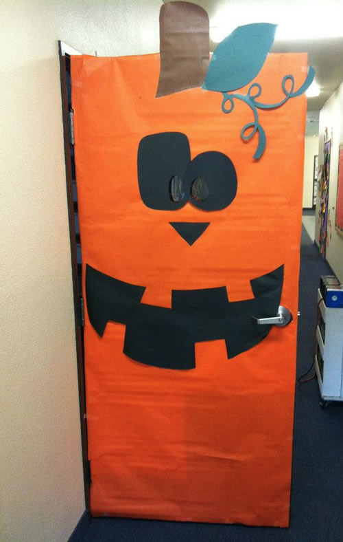 12 ideas para decorar la puerta de clase en halloween - Decoration de porte halloween ...