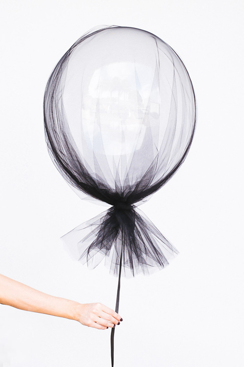 idea para decorar con globos en halloween