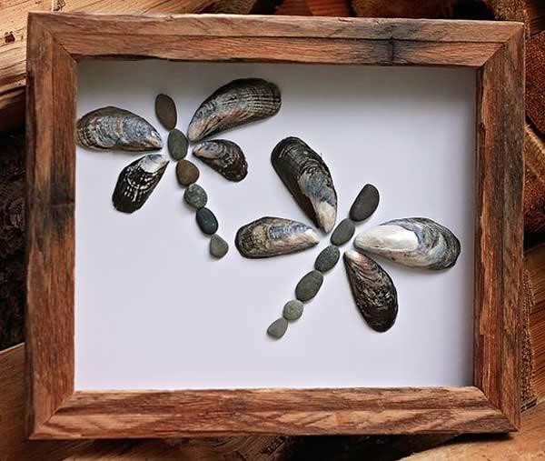 Manualidades con conchas marinas manualidades - Cuadros hechos con piedras de playa ...