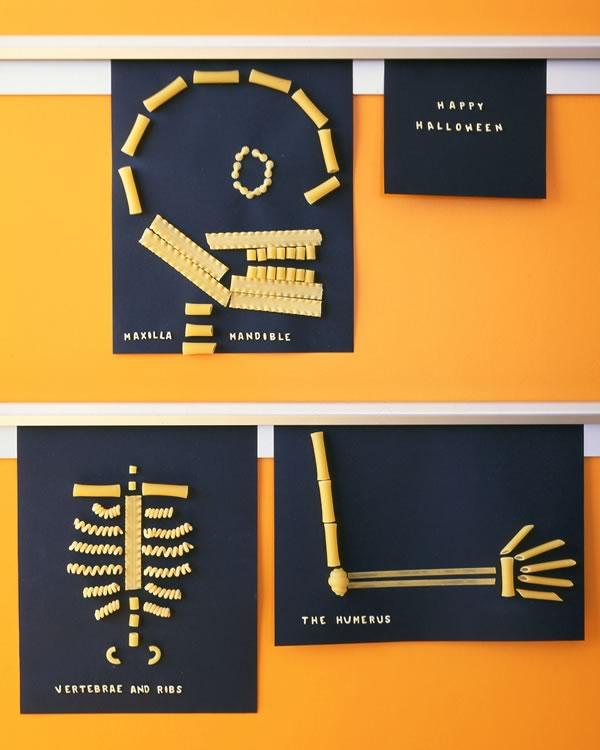 Esqueleto de Halloween hecho con pasta
