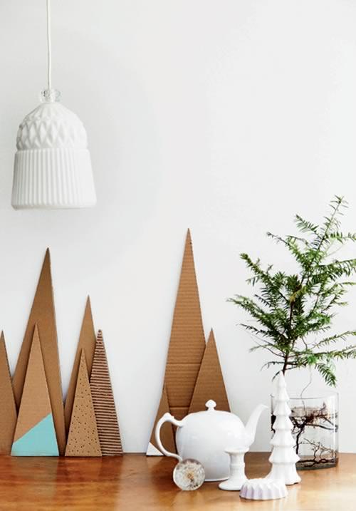 árboles de Navidad de cartón decorativos