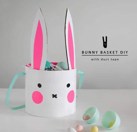 Manualidade de Pascua para niños: cesta de cartón con forma de conejito