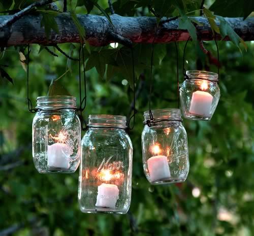 Ideas para reciclar tarros de cristal: luces para el jardín