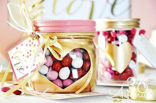 Ideas para reciclar tarros de cristal: usarlos para regalar dulces