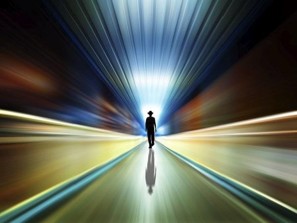 Espíritu en el túnel de la muerte