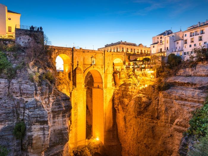 10 Razones por las que es GENIAL  veranear en España