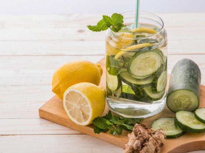 Beber agua es beneficioso para el funcionamiento celular