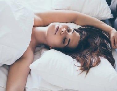 dormir-desnudo-euroresidentes