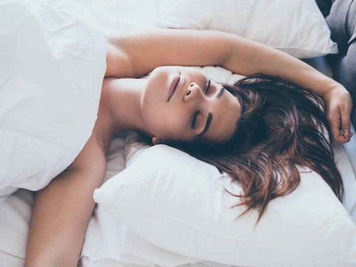 7 Beneficios para la salud de dormir desnudo