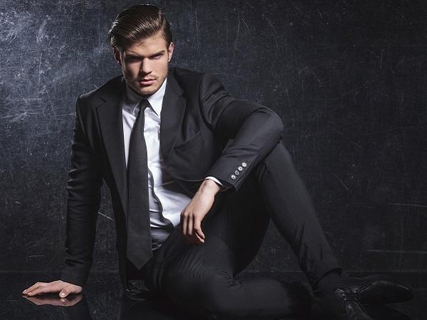 Hombre traje sexy