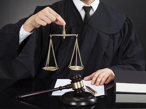 Juez equilibrio análisis