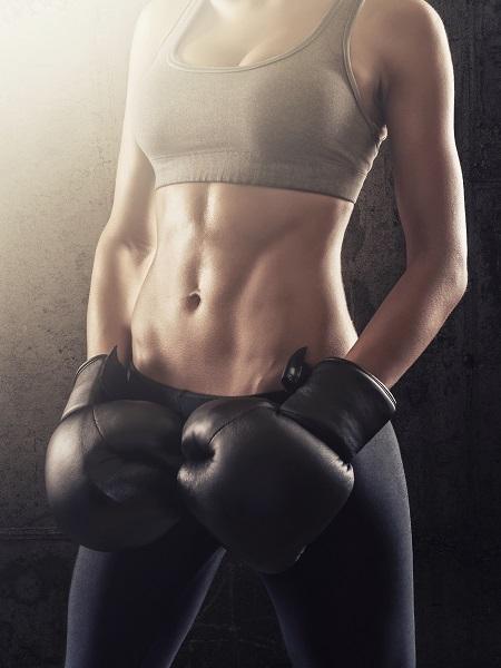 Mujer luchadora boxeo