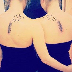tatuajes originales amigos plumas pájaros
