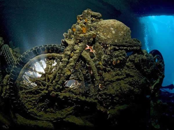 buque-bajo-mar