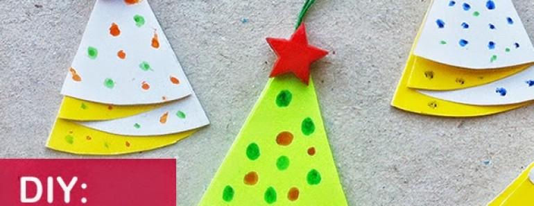 Cómo hacer un árbol de Navidad de papel decorativo