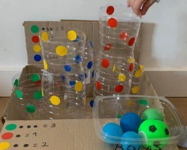 Juego con botellas de plástico: encesta la pelota