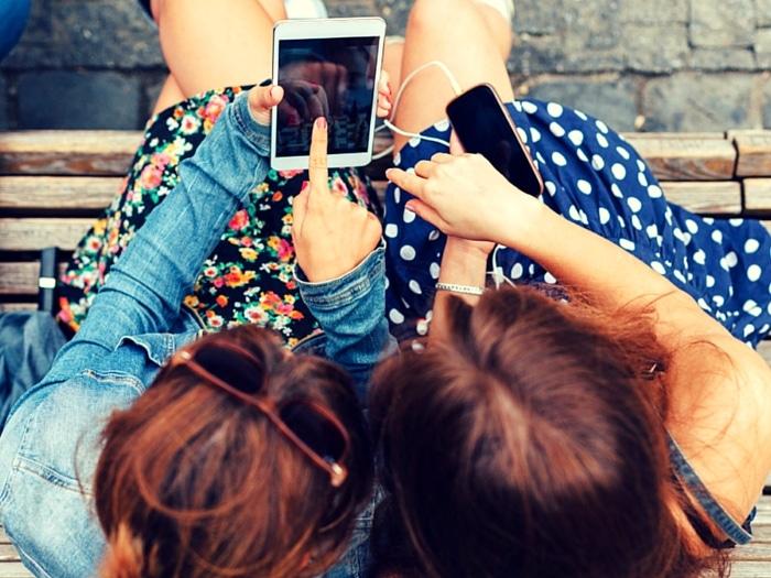 medios de comunicación social euro pequeña mama