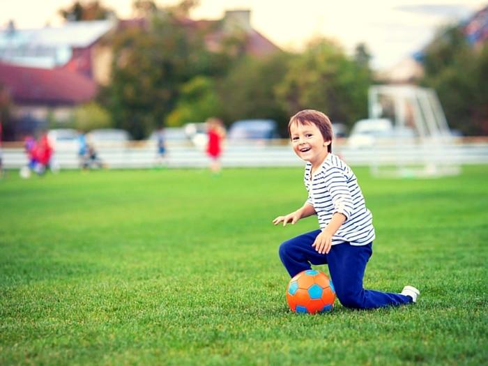 niños felices y deporte