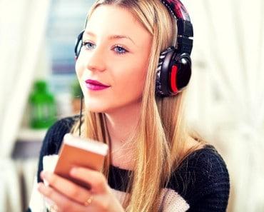 jóvenes pueden quedarse sordos por el uso del auricular