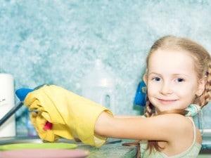 cómo lograr que los niños participen en las tareas de casa