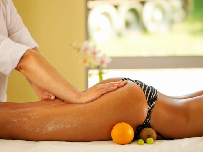 Masaje en piernas y glúteos
