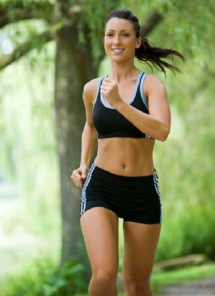 Chica haciendo jogging