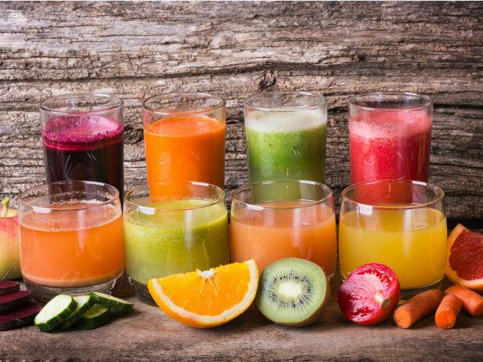 Zumos variados de frutas naturales