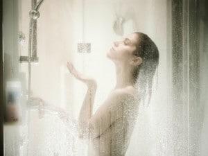 La ducha diaria puede estar perjudicando a tu piel
