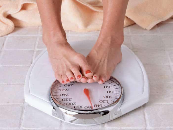 Hacer dieta engorda