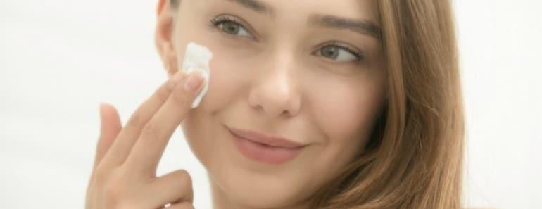 cuidados-piel-a-los-20-euroresidentes-hidratacion
