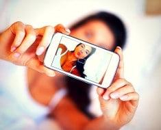 selfies te hacen creer que eres más guapa pero no es verdad