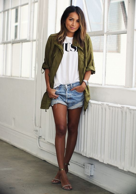 11 ideas para vestir shorts + camiseta y no ser aburrida
