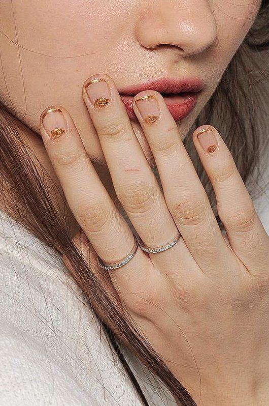 20 Ideas de uñas con estilo minimalista