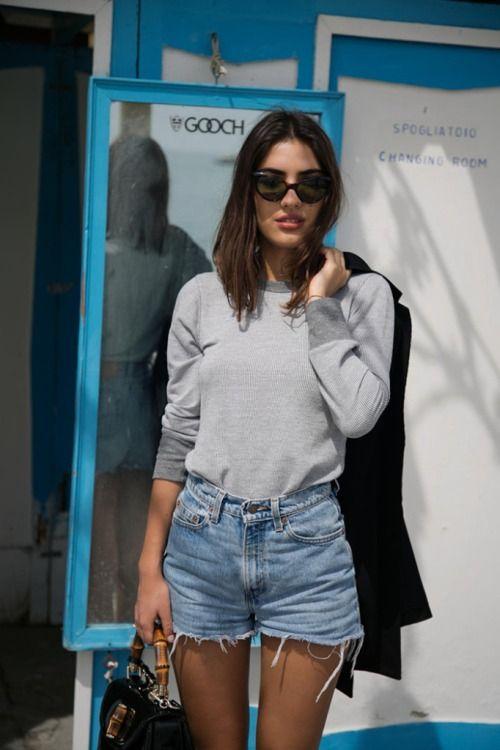 11 Ideas para vestir shorts + camiseta y no aburrirte