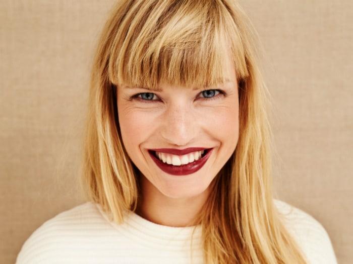 5 Trucos de maquillaje para que tus dientes se vean más blancos