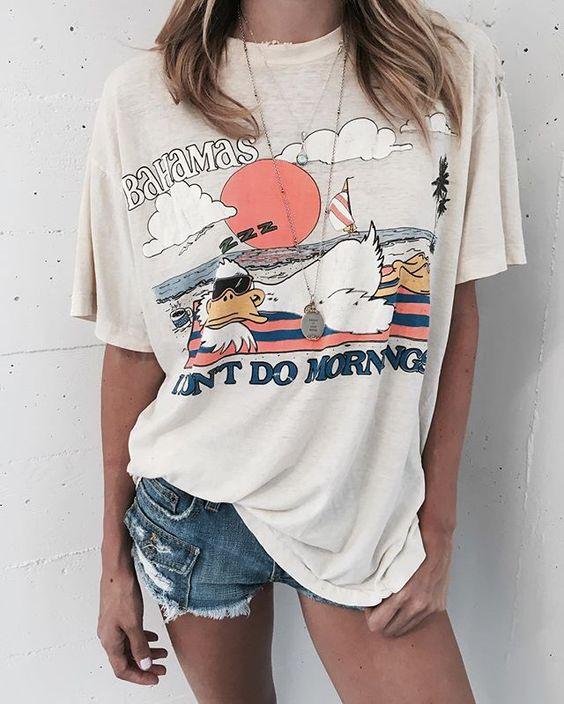 Las 5 únicas camisetas que necesitas en tu armario