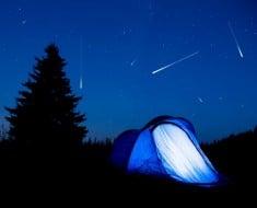 lluvia estrellas acampada