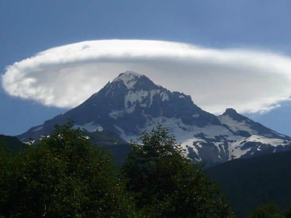 Nube lenticular, naturaleza