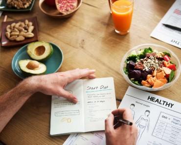 10 sencillos trucos para hacer desaparecer los kilos de más en 2018