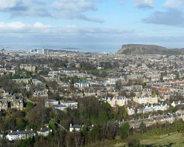 700px-View_of_Edinburgh_from_Blackford_Hill_21