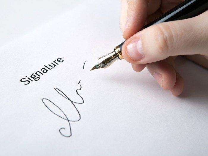 Análisis de firma y rúbrica: firma sin rúbrica