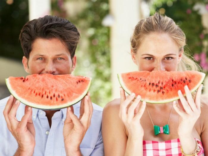 Combate el acné con frutas de temporada como la sandía