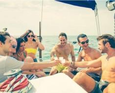 amigos-barco-mareo