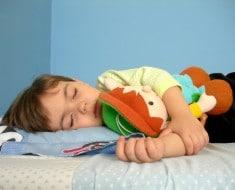 beneficios-de-dormir-la-siesta-en-niños-1024x768