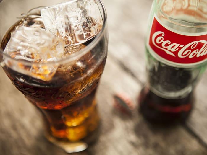 20 Usos Prácticos De La Coca Cola Que Harán Tu Vida Más
