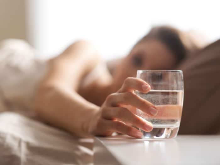 9 remedios naturales para combatir y aliviar la resaca