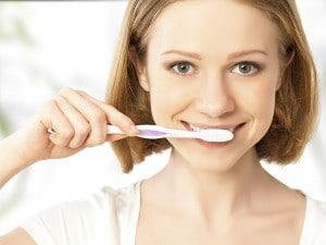 Remedios naturales para eliminar la placa dental