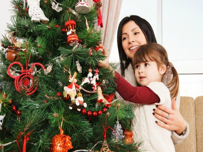 Precaución con los adornos navideños