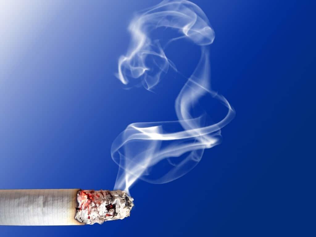 Fumar puede causar menopausia prematura