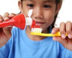 como-elegir-la-mejor-pasta-de-dientes-para-ninyos